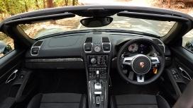 Porsche-boxster-2015-GTS Interior