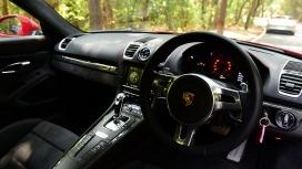 Porsche-cayman-2015-GTS Interior