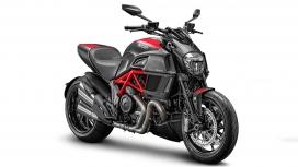 Ducati Diavel 2015 STD Compare