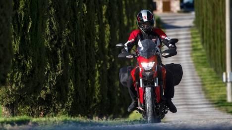 Ducati Hyperstrada 2015 STD Exterior