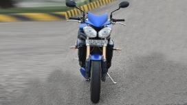 Triumph Speed Triple 2014 STD Compare