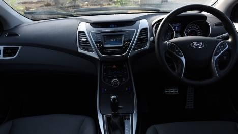 Hyundai Elantra 2016 1.6 Diesel SX (O) AT Interior