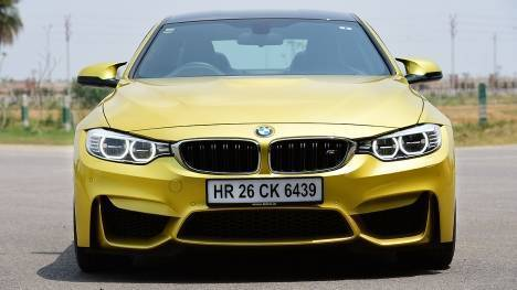 BMW M4 coupe 2015 STD Comparo