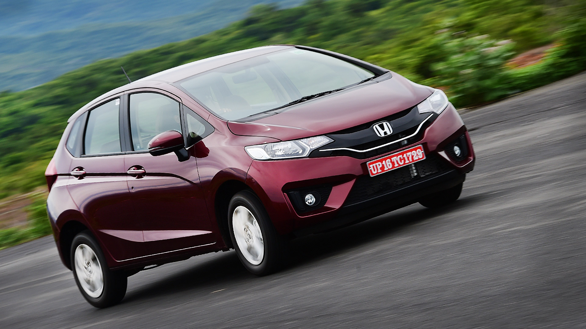 honda jazz 2015 price mileage reviews specification gallery overdrive. Black Bedroom Furniture Sets. Home Design Ideas