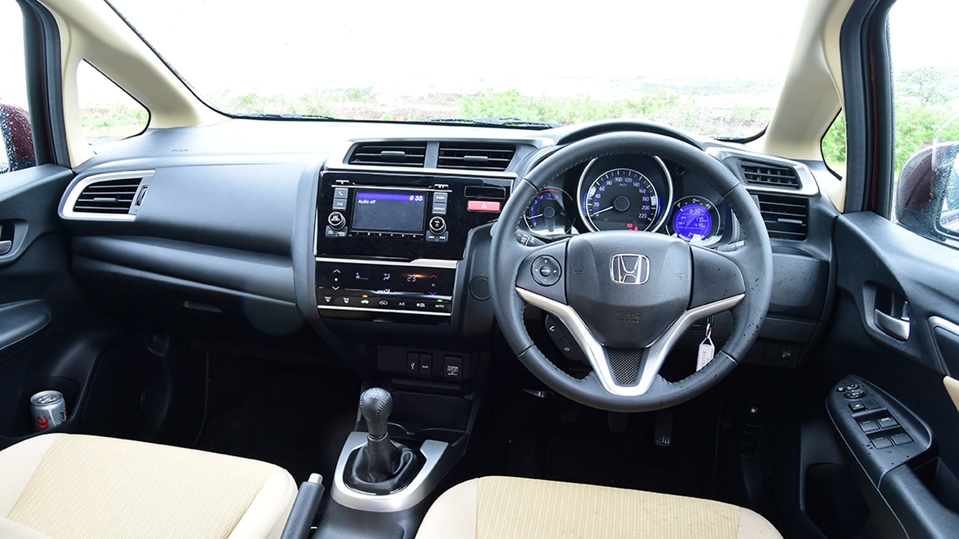 honda jazz 2015 petrol cvt v price mileage reviews specification gallery overdrive. Black Bedroom Furniture Sets. Home Design Ideas