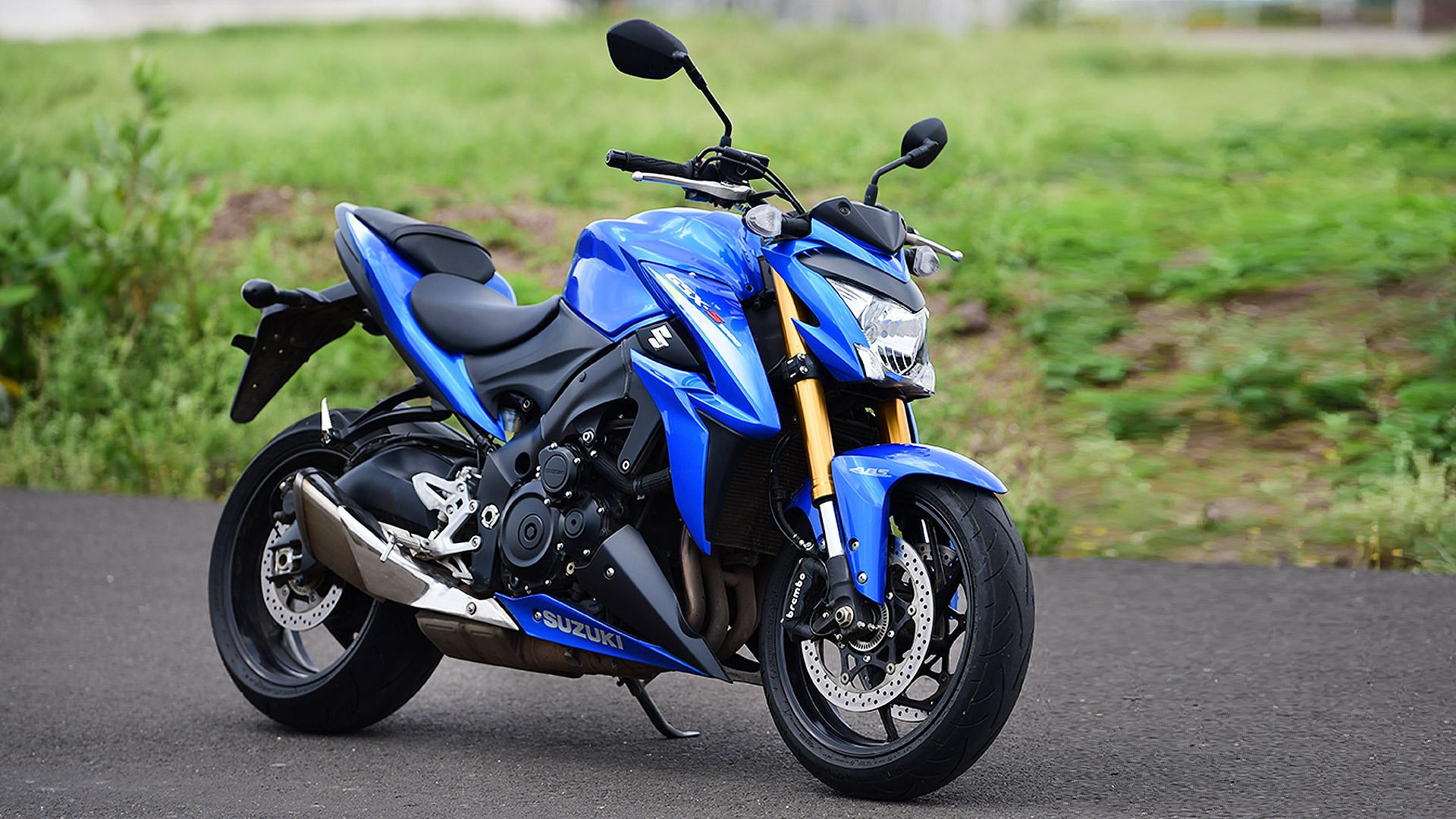 Suzuki GSX- S1000 2015 STD Compare