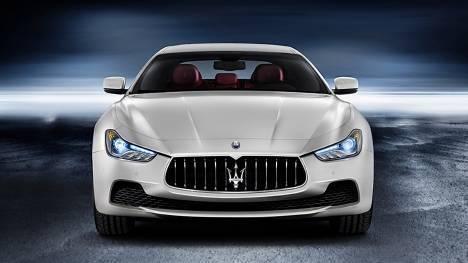 Maserati Ghibli 2015 STD Comparo
