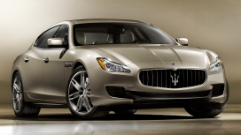 Maserati Quattroporte 2015 STD Compare