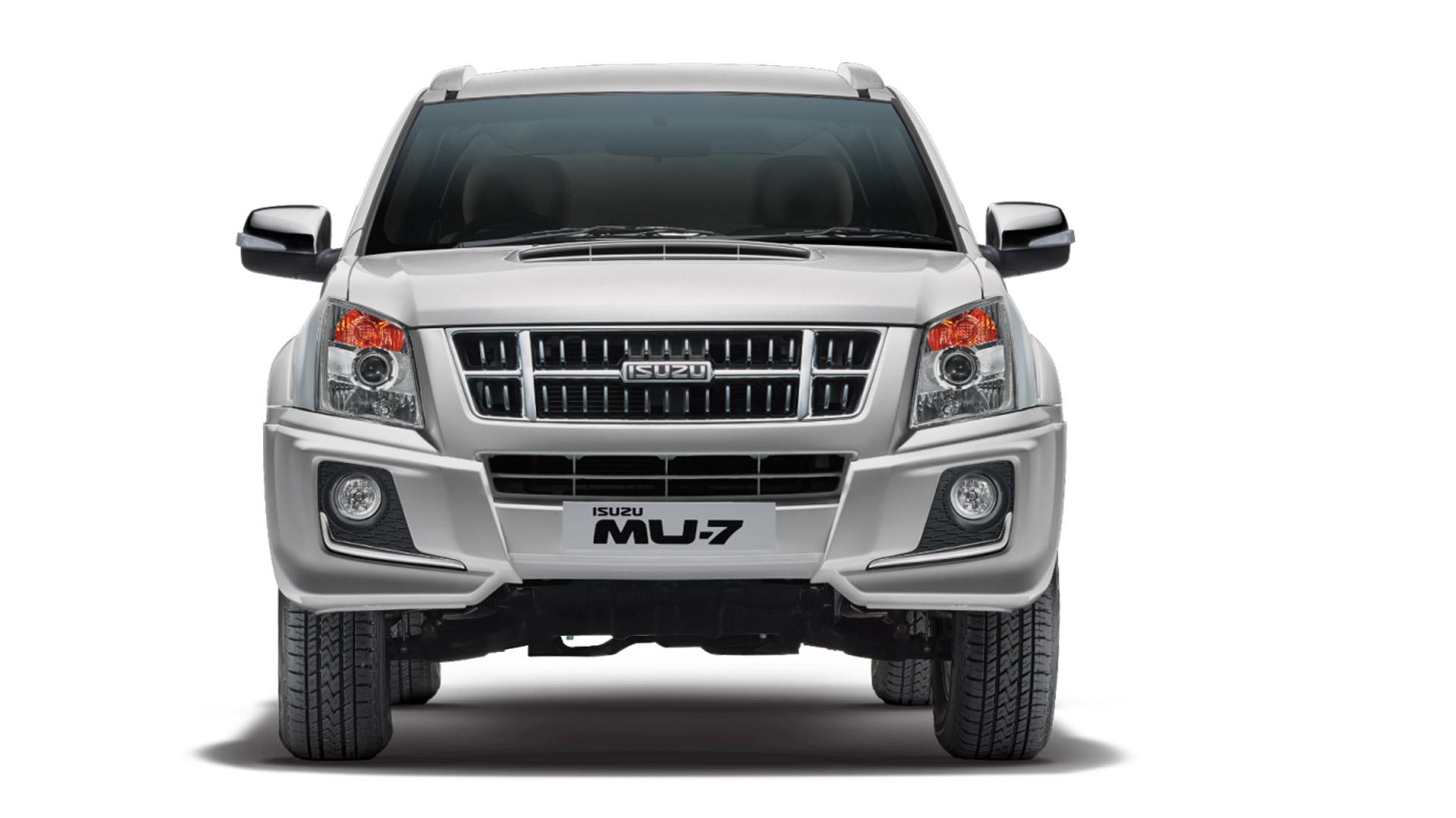 Isuzu mu7 2015 Premium AT Exterior