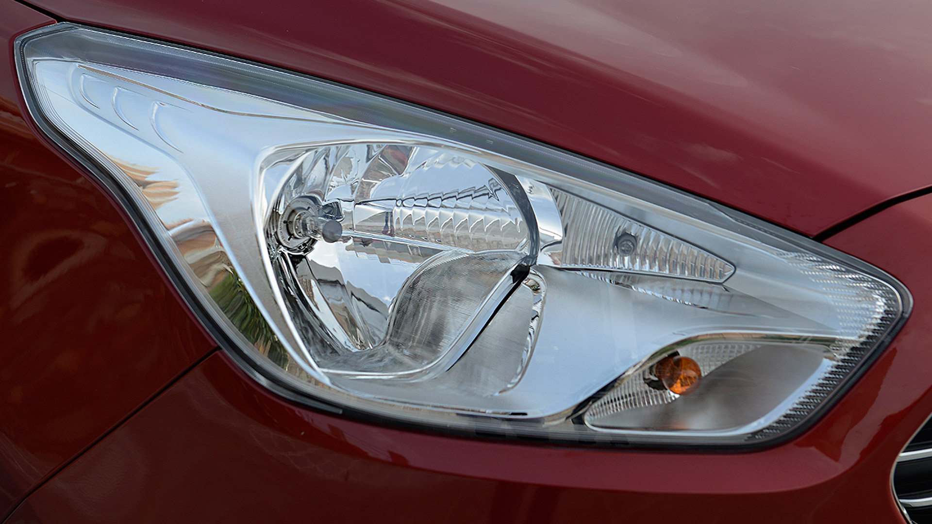 Ford Figo Aspire 2015 Diesel 1.5MT Titanium Exterior