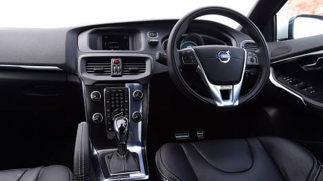 Volvo V40 2017 D3 R-Design Interior
