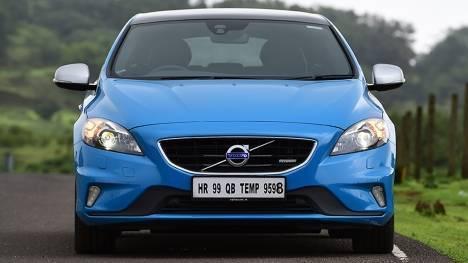 Volvo V40 2017 D3 R-Design Comparo