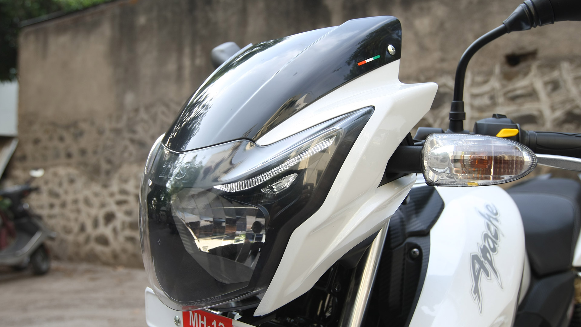 Tvs Apache Rtr 180 Abs Reviews Price Specifications Mileage