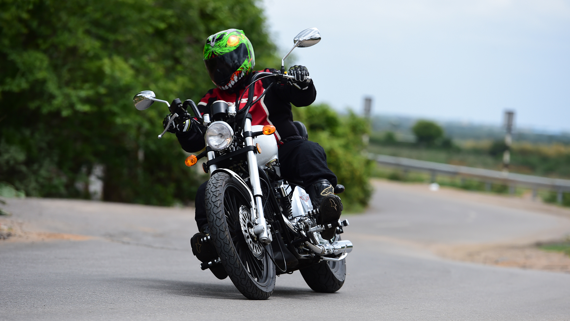 Regal Raptor Daytona 2015 STD