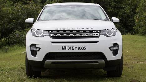 Land Rover Discovery Sport 2016 HSE 2.0l petrol Comparo