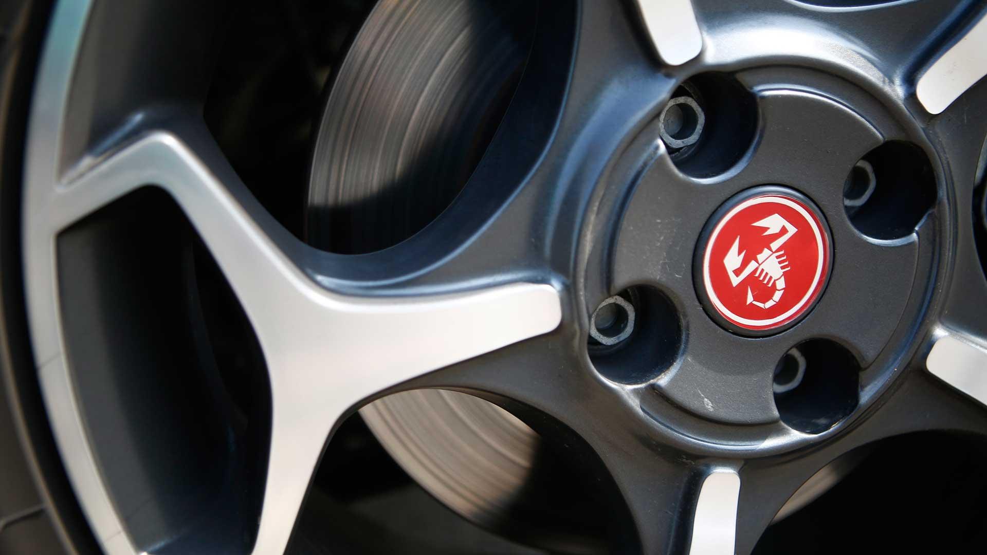 Fiat Abarth Punto 2015 STD Exterior