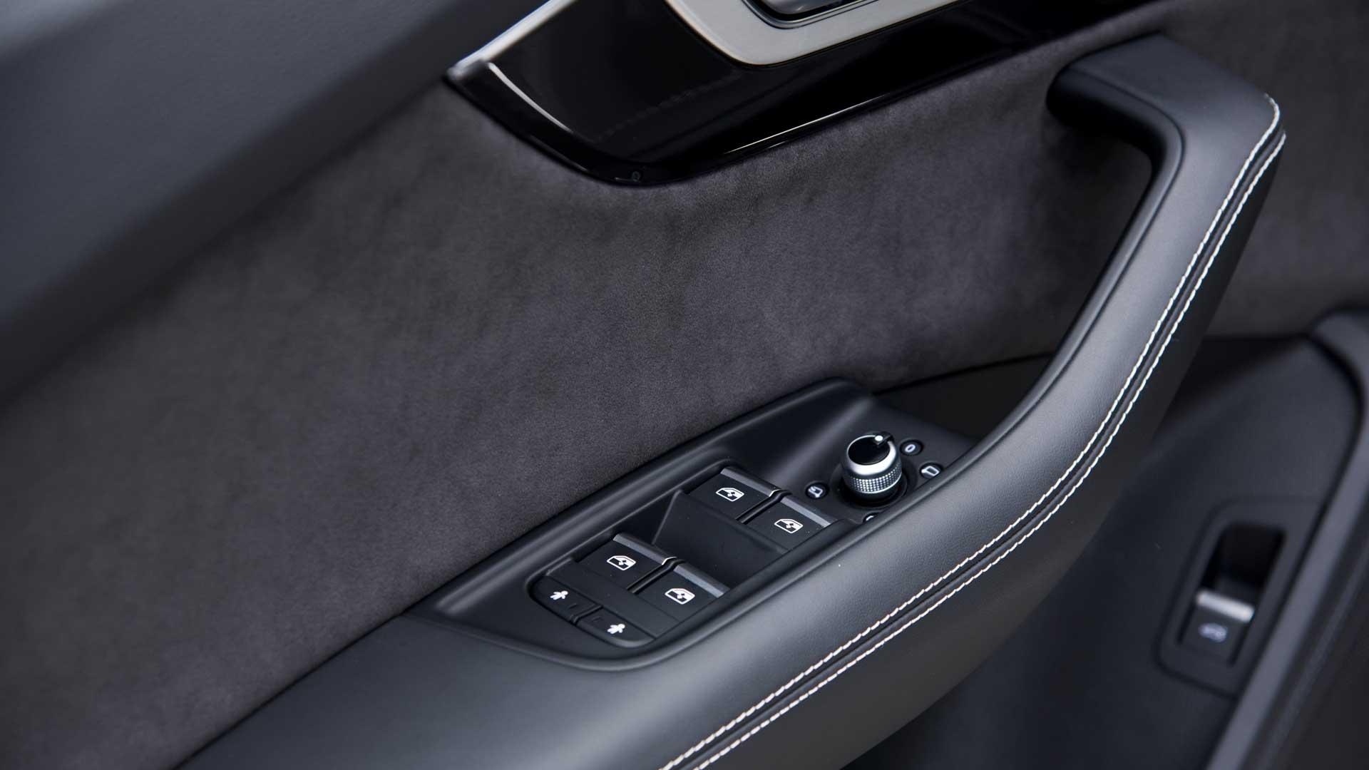 Audi Q7 2016 Technology Interior