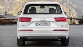 Audi Q7 2016 Technology Compare