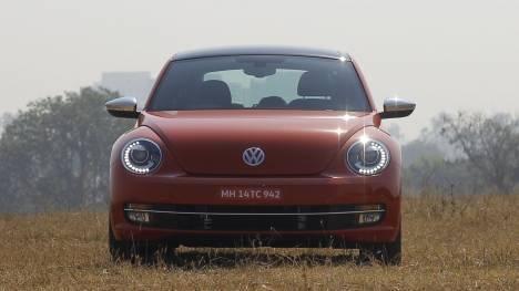 Volkswagen Beetle 2016 STD Comparo