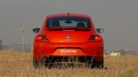 Volkswagen Beetle 2016 STD Compare