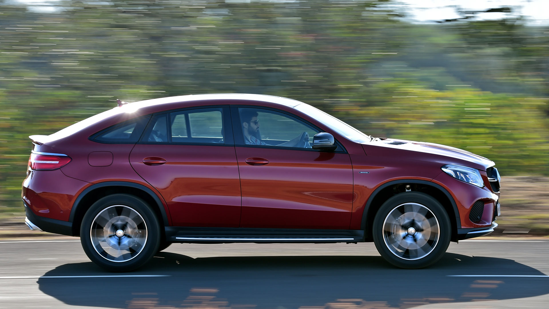 Mercedes benz gle 2016 price mileage reviews for Mercedes benz mileage