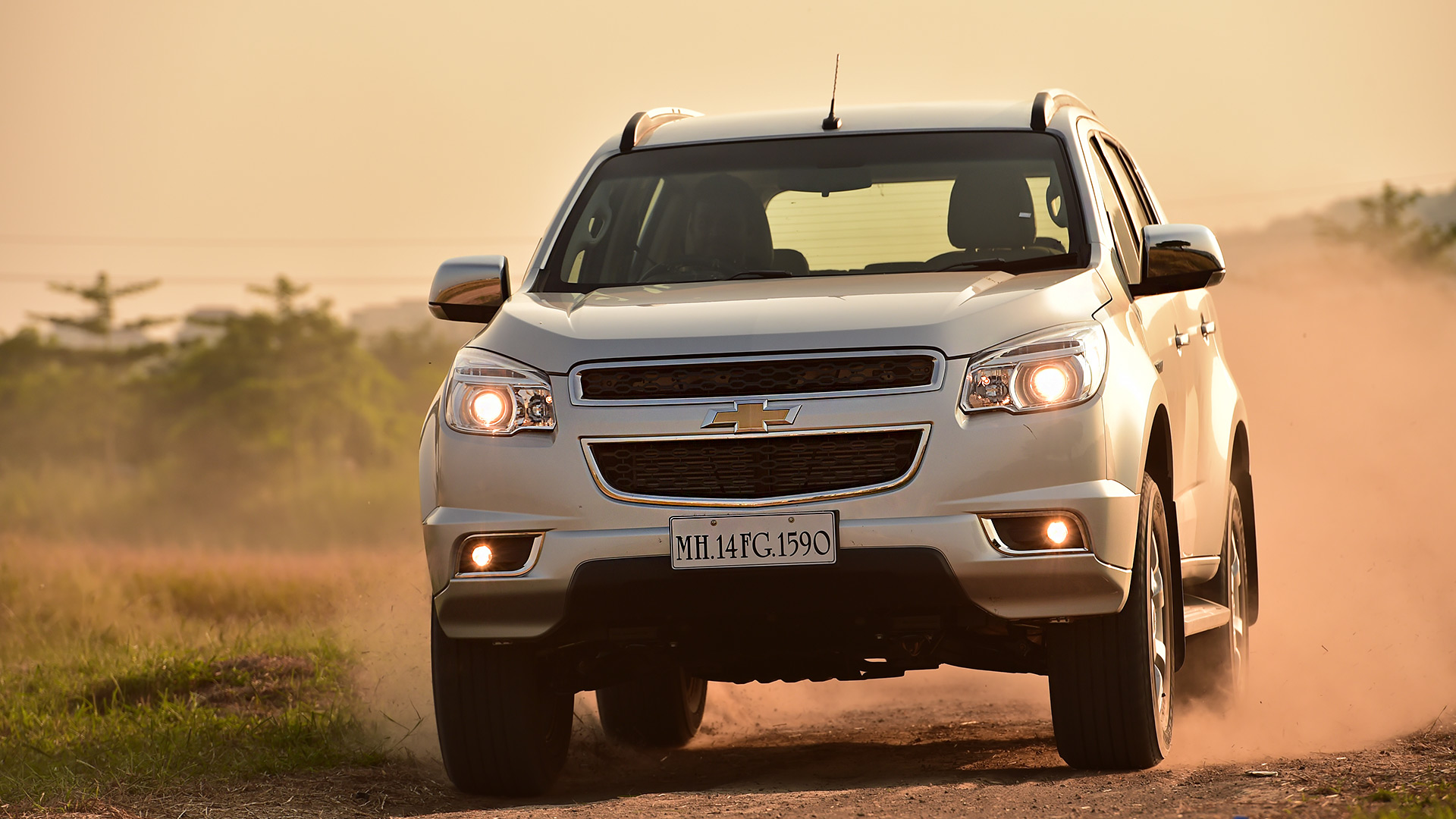 Chevrolet Trailblazer 2015 LTZ Exterior Car s Overdrive