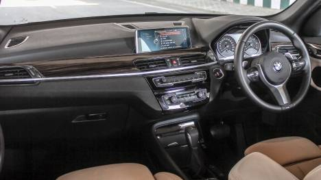 BMW X1 2017 sDrive20i xLine Interior