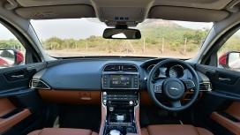 Jaguar XE 2016 Pure Interior