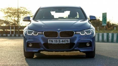 BMW 3 Series 2017 330i M Sport Comparo