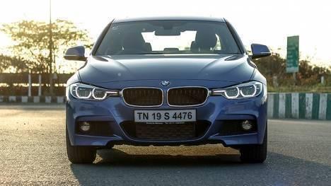 BMW 3 Series 2017 330i M Sport Comparo