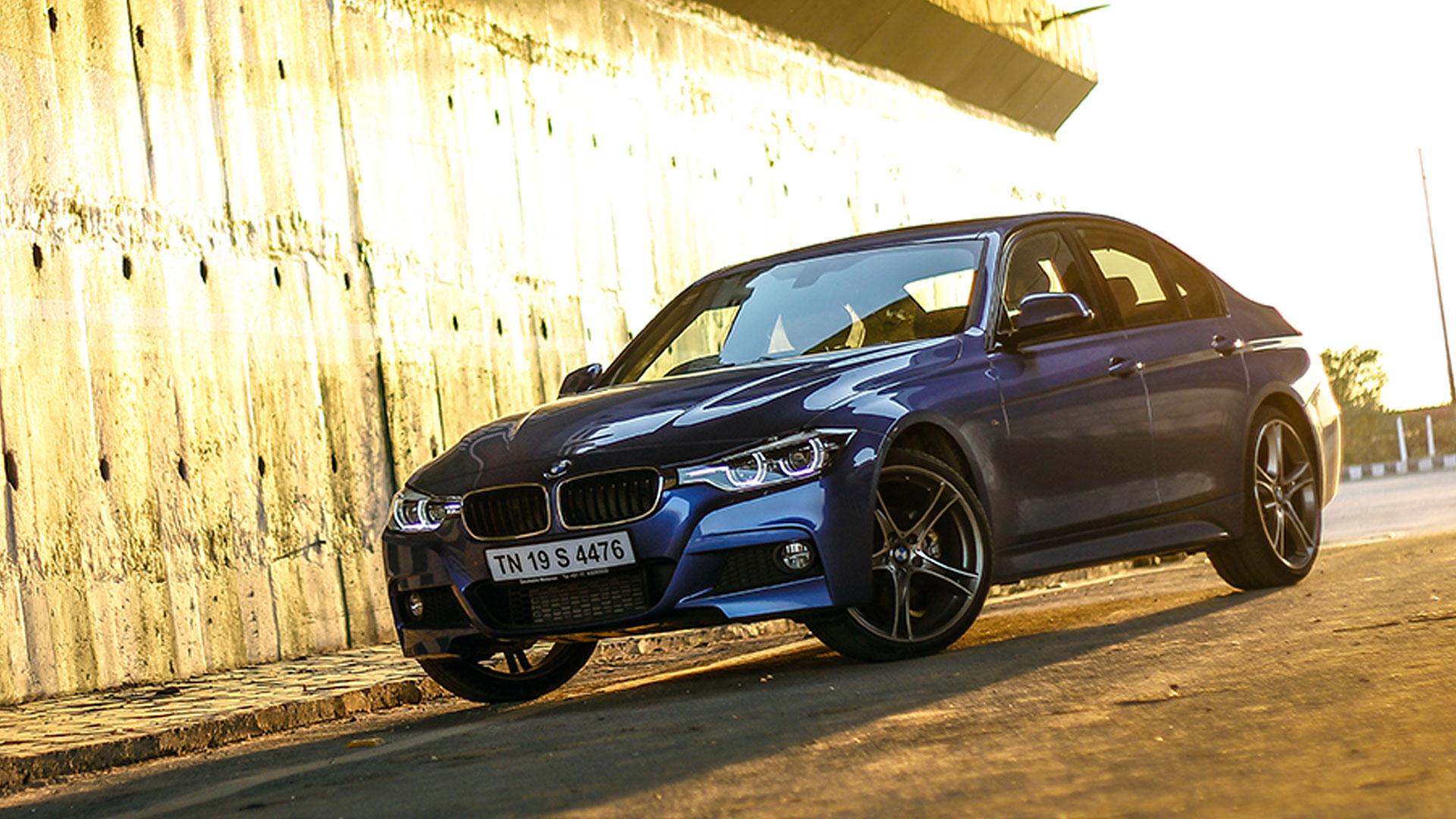 bmw 3 series 2017 330i sport line price mileage reviews specification gallery overdrive. Black Bedroom Furniture Sets. Home Design Ideas
