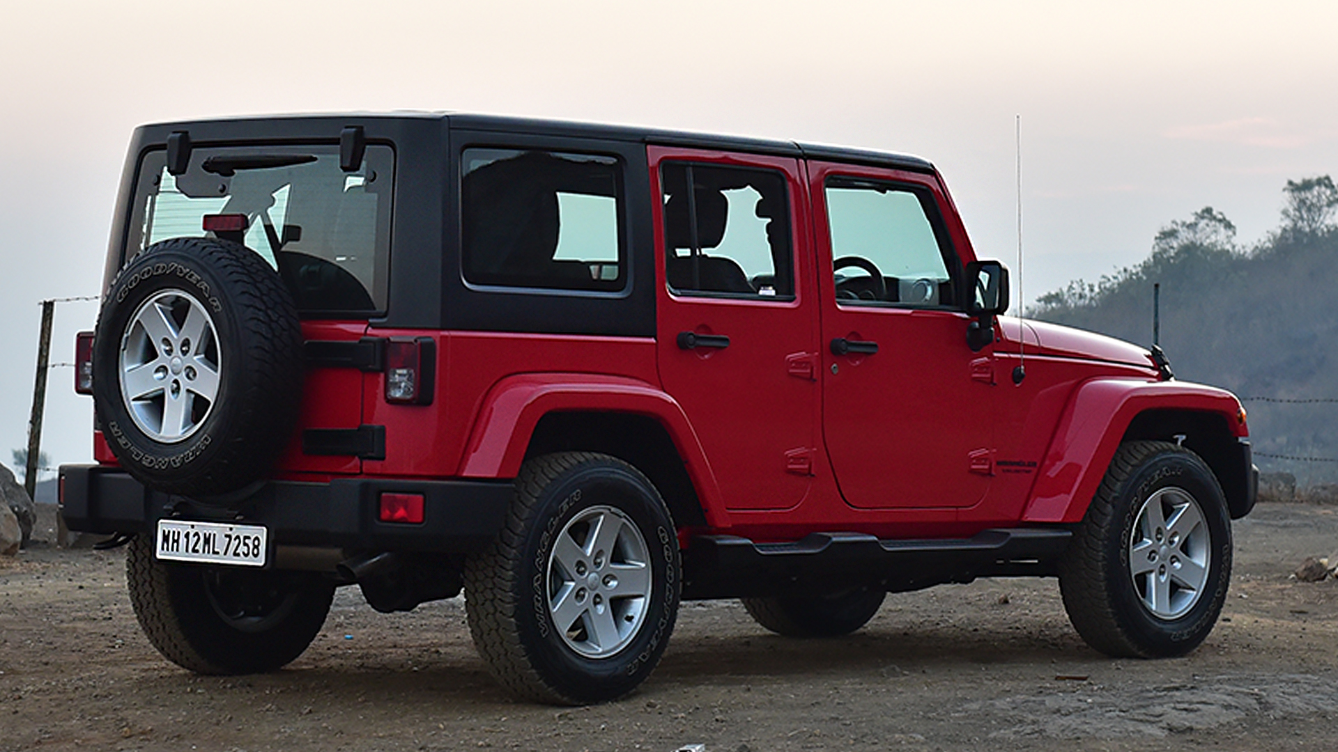 jeep wrangler 2017 price mileage reviews specification gallery overdrive. Black Bedroom Furniture Sets. Home Design Ideas