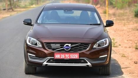 Volvo S60 Cross Country 2016 Inscription	 Comparo