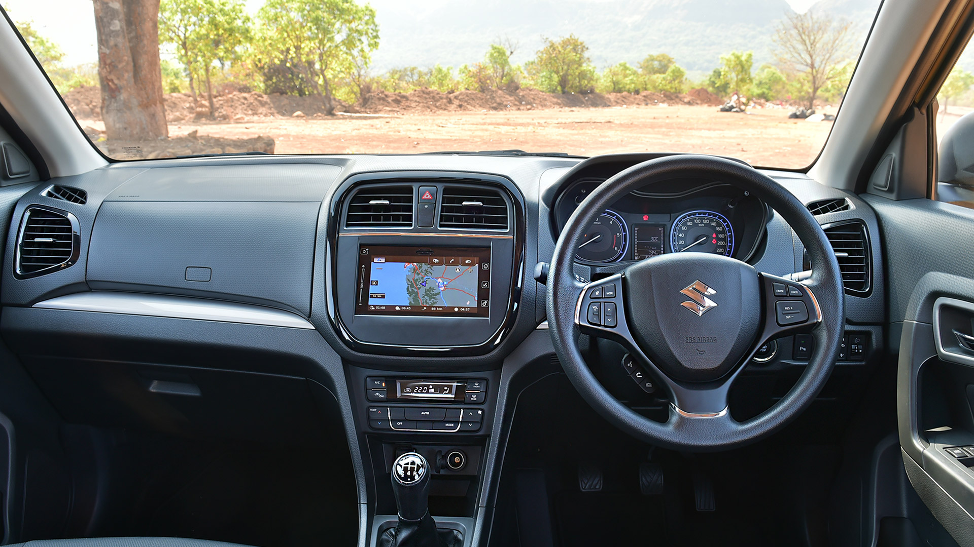maruti suzuki vitara brezza 2016 zdi interior car photos overdrive. Black Bedroom Furniture Sets. Home Design Ideas