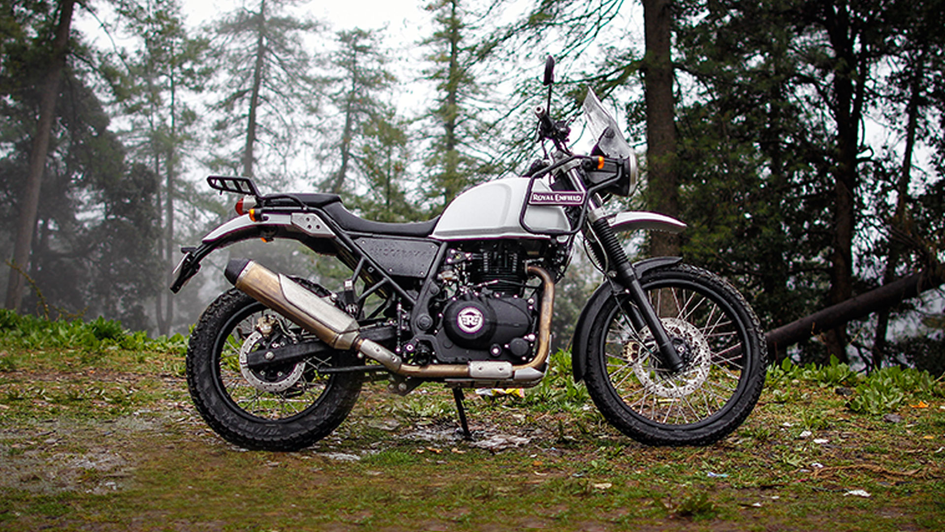 new royal enfield himalayan india 2016 price mileage reviews specifications overdrive. Black Bedroom Furniture Sets. Home Design Ideas