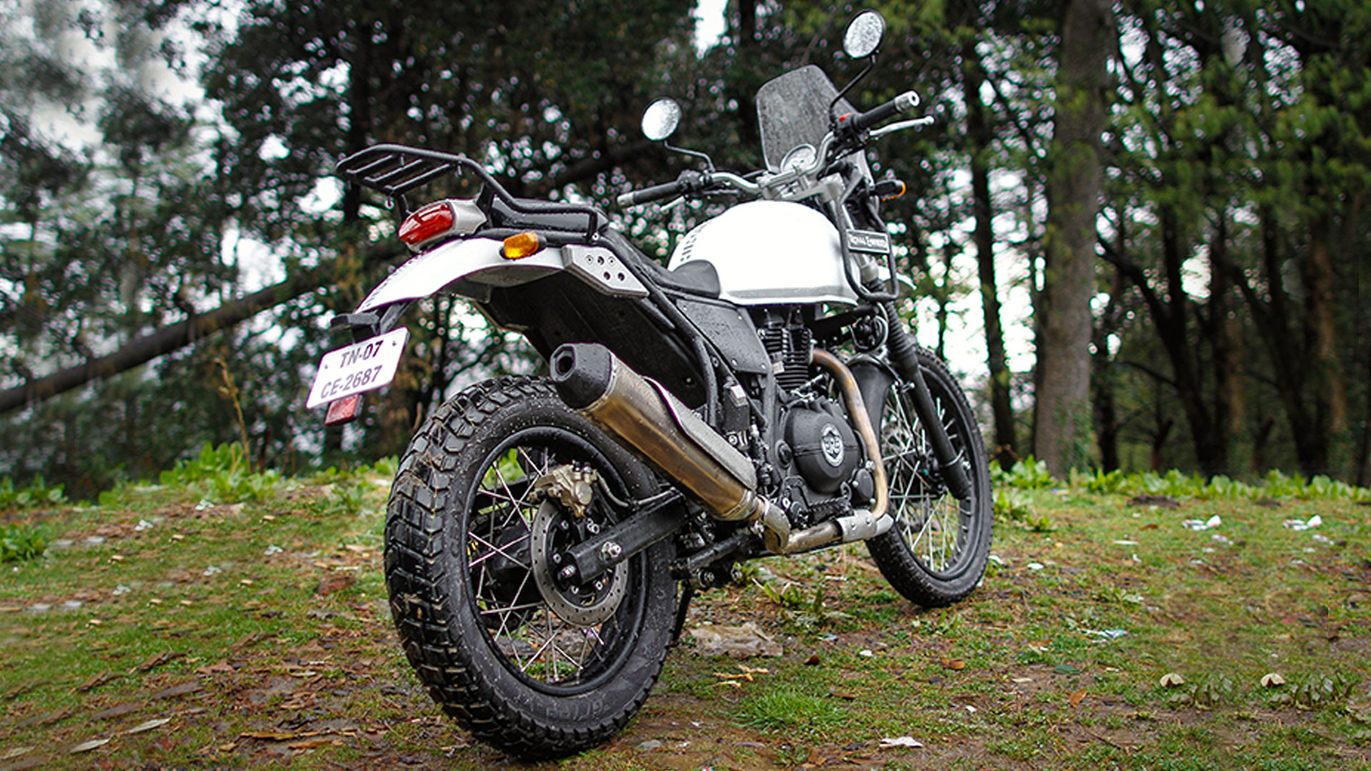 royal enfield himalayan 2018 price mileage reviews specification gallery overdrive. Black Bedroom Furniture Sets. Home Design Ideas