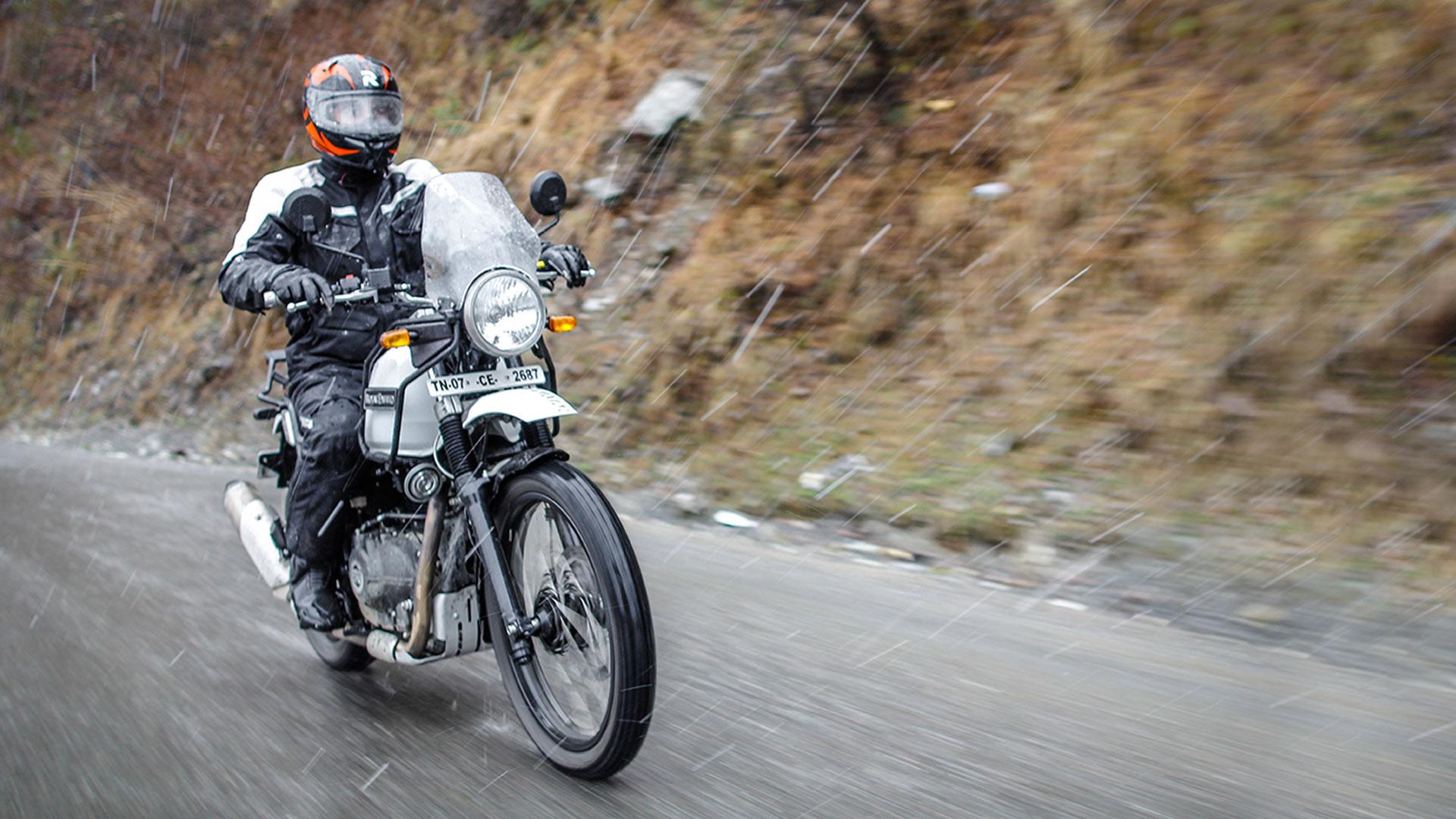 Royal Enfield Himalayan 2016 Std Price Mileage Reviews