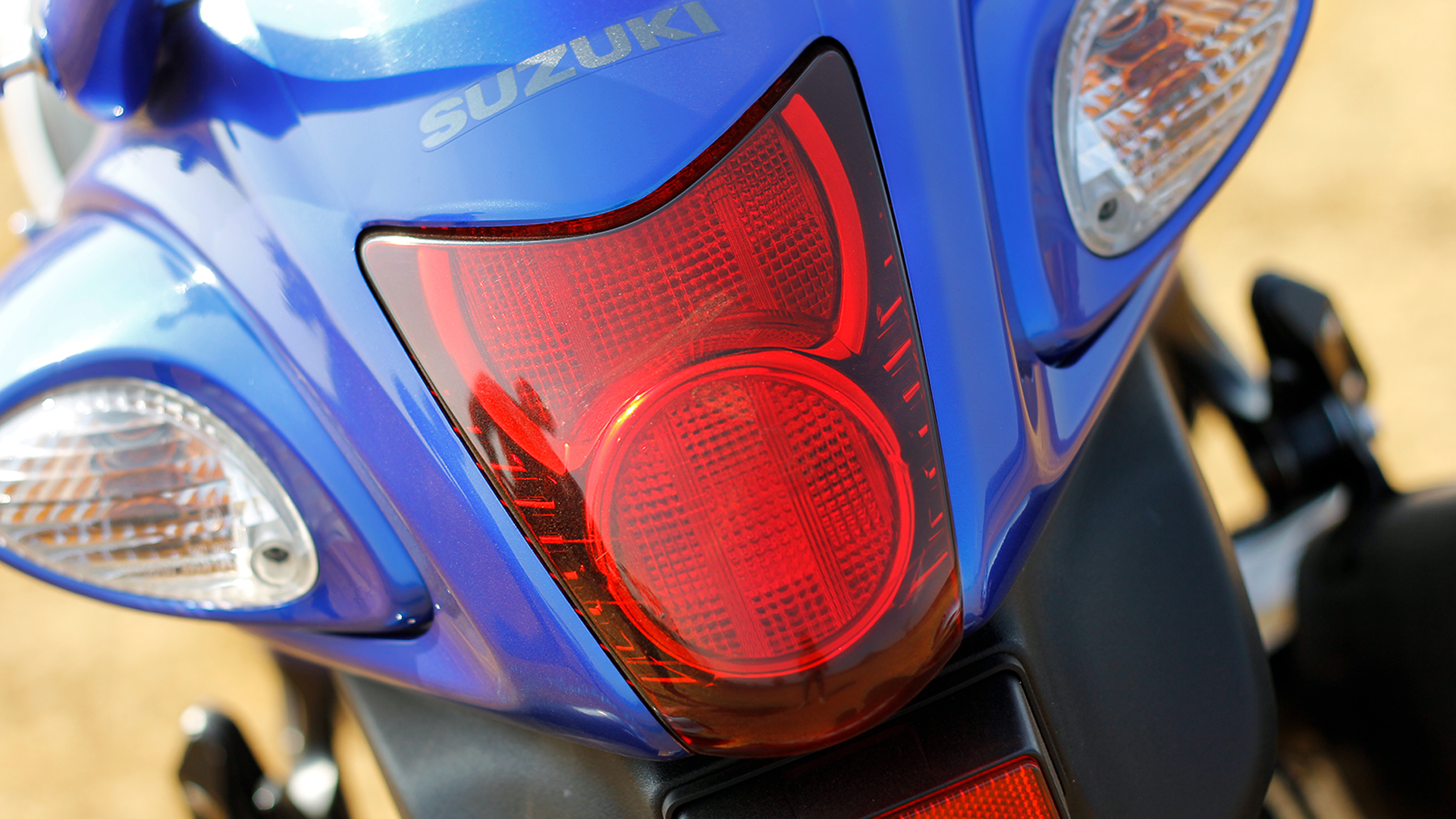 Suzuki GSX-R1300 Hayabusa 2015 STD