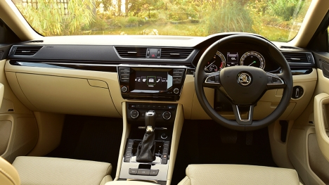 Skoda Superb 2016 2.0 TDI (AT) L & K Interior