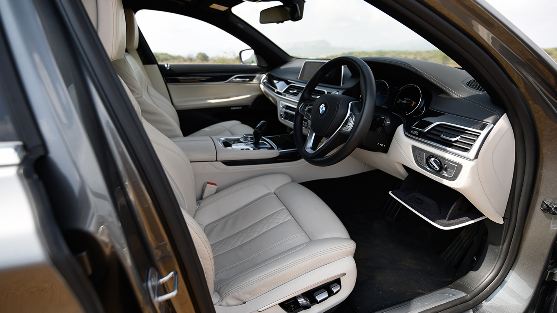 BMW 7 series 2016 730Ld M Sport Interior Car s Overdrive