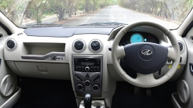 Mahindra e Verito 2016 D2 Interior
