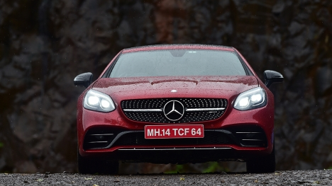 Mercedes-Benz SLC 2016 43 AMG Comparo