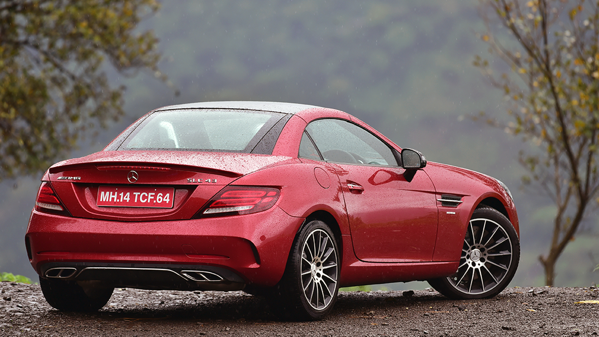Mercedes Benz SLC 2016 43 AMG Compare