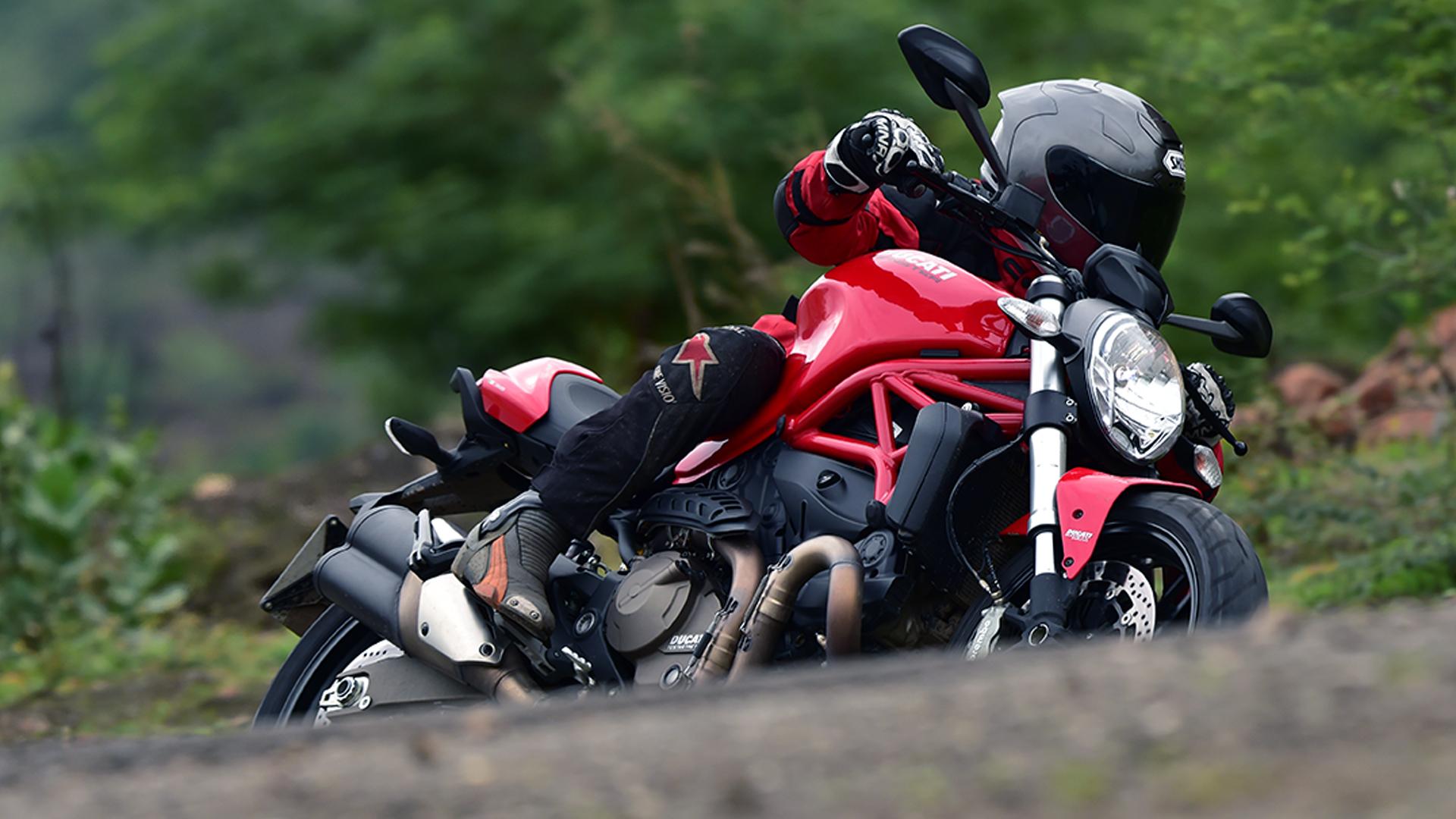 Ducati Monster 821 2015 STD