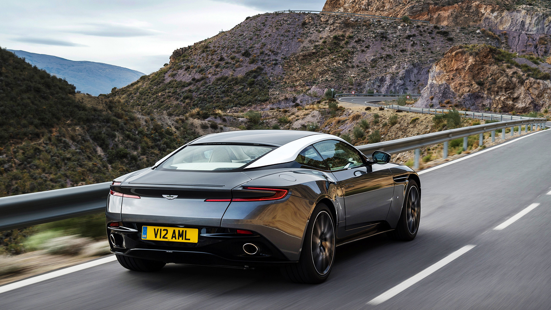 Aston Martin DB11 2016 STD Price Mileage Reviews Specification