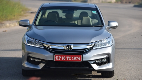 Honda Accord Hybrid 2016 STD Comparo