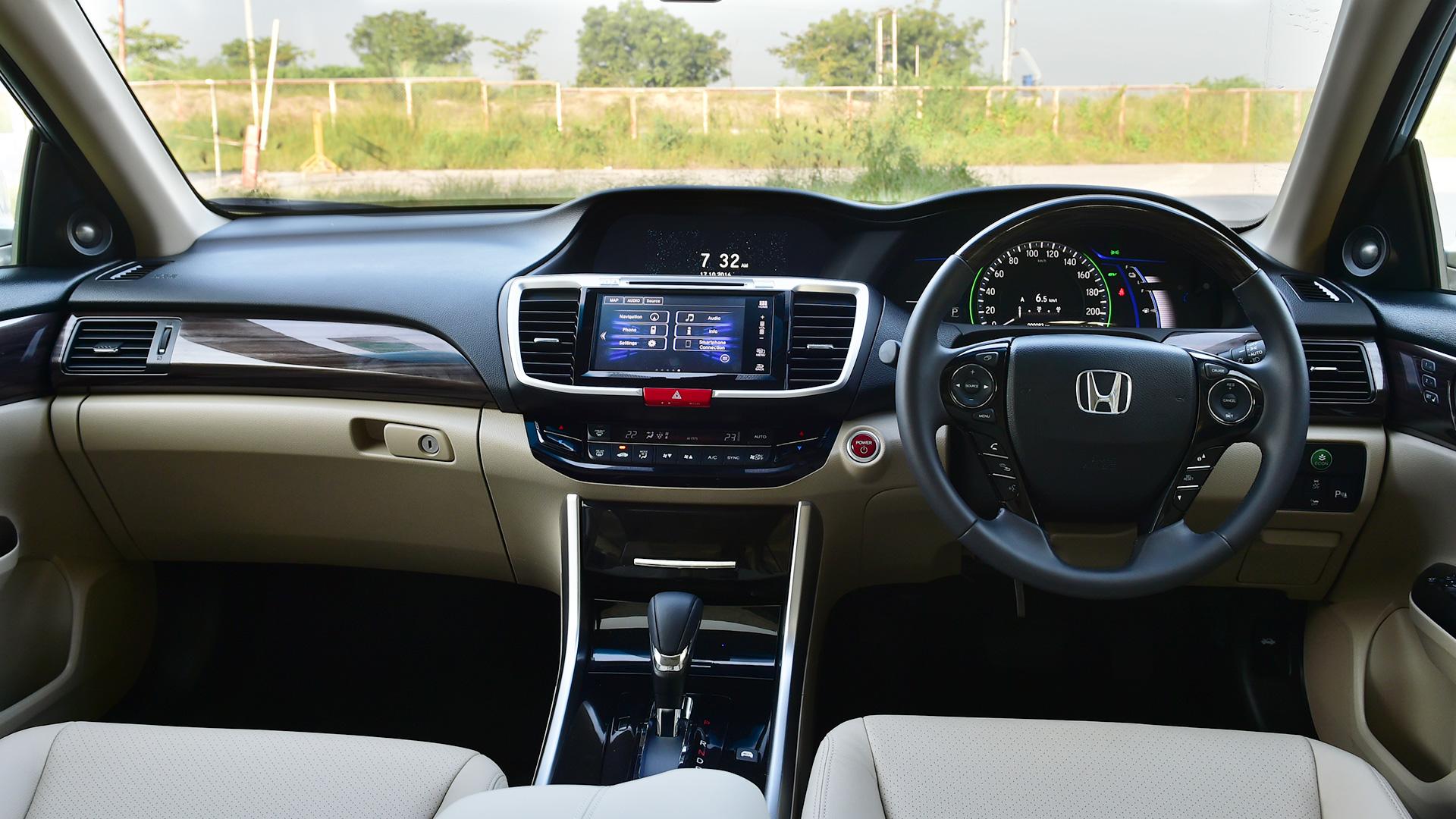Honda Accord Hybrid 2016 STD Interior