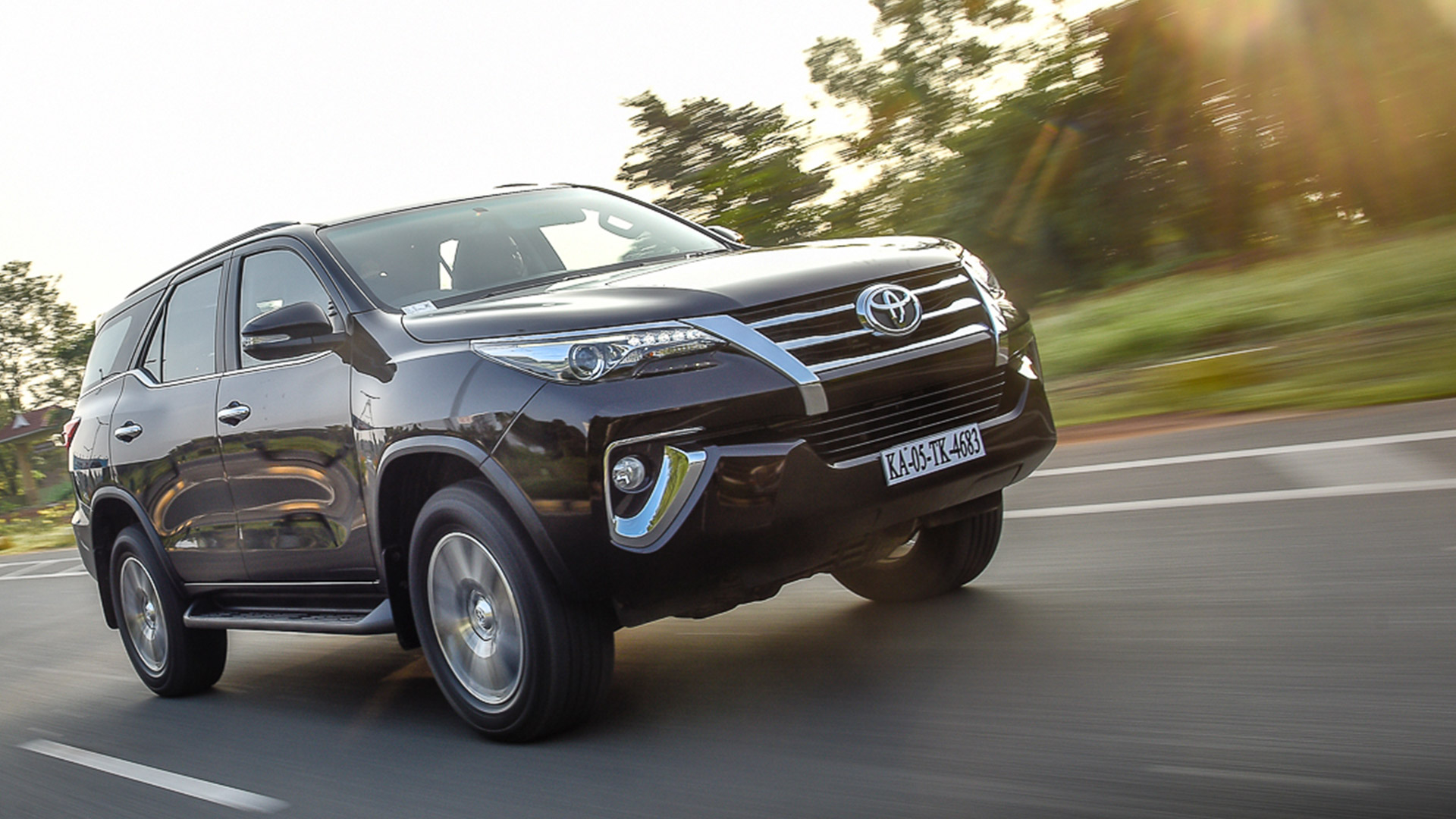 Toyota Fortuner 2016 Price Mileage Reviews Specification Gallery Overdrive