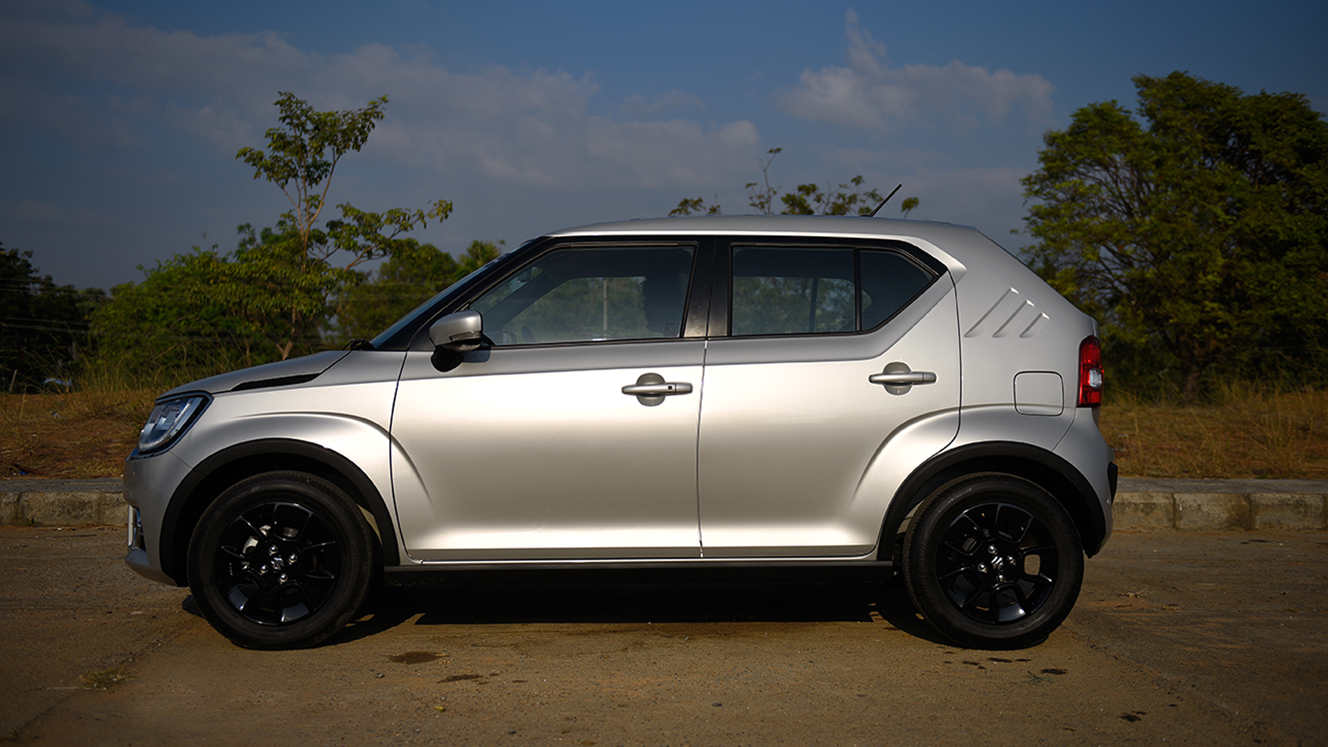 maruti suzuki ignis 2017 price mileage reviews specification gallery overdrive. Black Bedroom Furniture Sets. Home Design Ideas