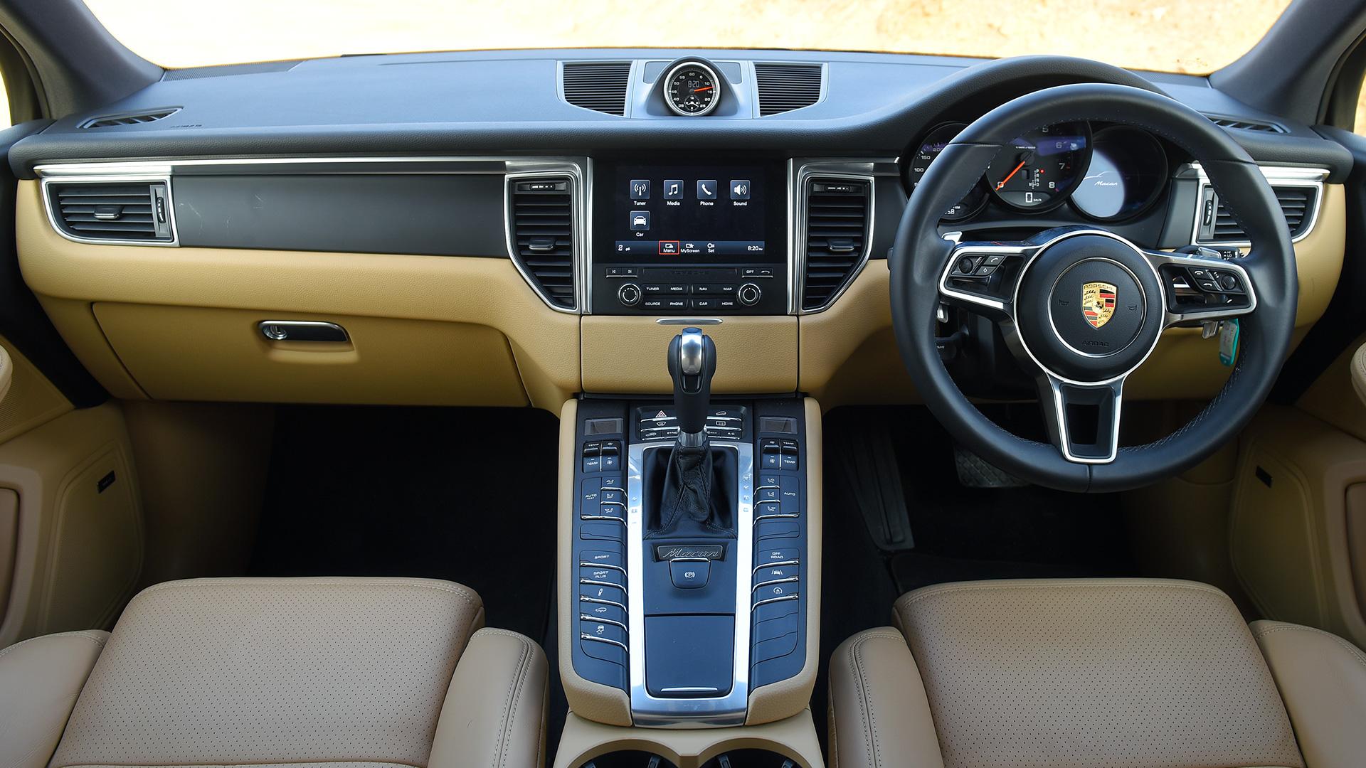 Porsche Macan 2016 R4 Interior